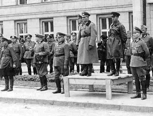 """МИД РФ назвал """"освободительным походом"""" вторжение Красной армии в Польшу в 39-м 3"""
