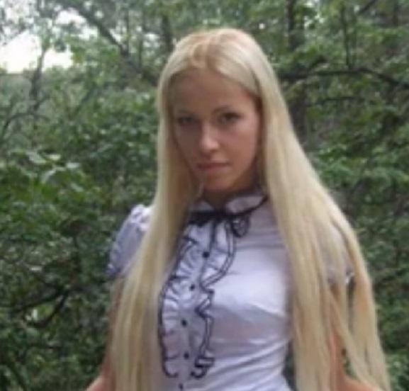 Дочь топ-менеджера Сбербанка уезжала воевать заДонбасс