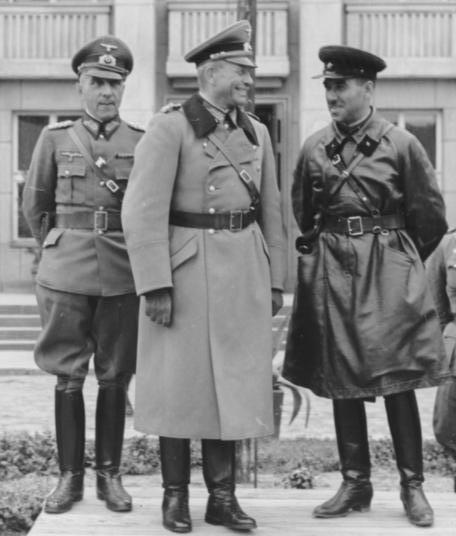 """МИД РФ назвал """"освободительным походом"""" вторжение Красной армии в Польшу в 39-м 2"""