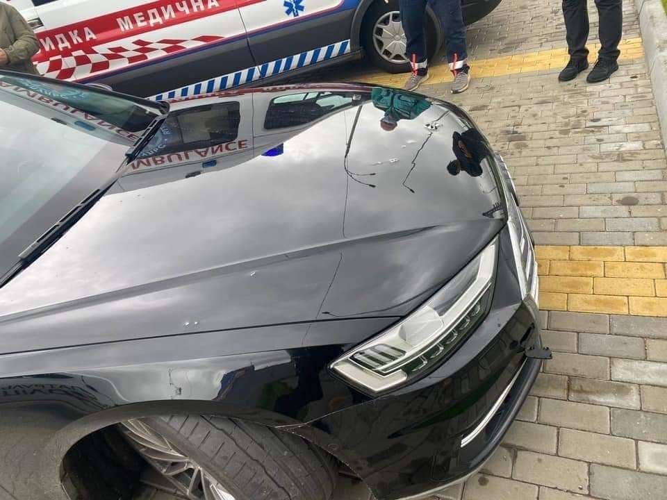 Совершено покушение на помощника Зеленского: авто Шефира расстреляли из автомата, ранен водитель 3