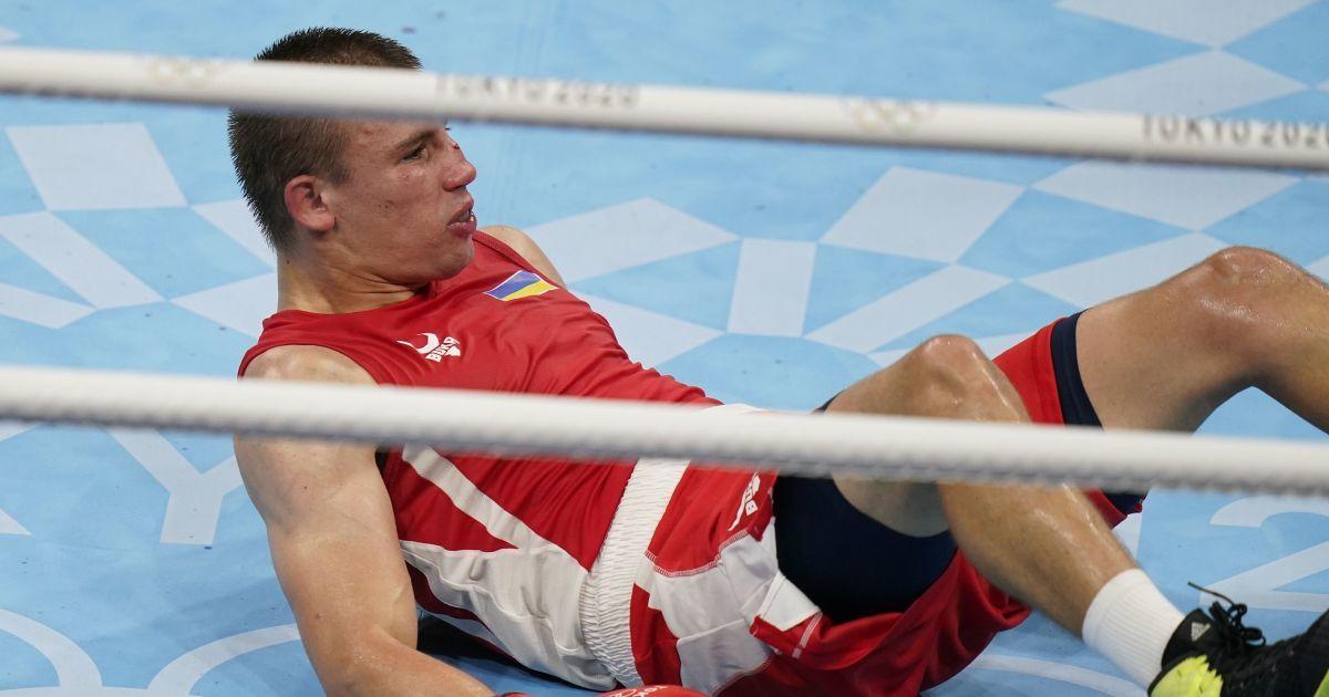 Появилось видео нокдауна Хижняка в бое за чемпионство ОИ-2020: арбитр посчитал, что это нокаут 1