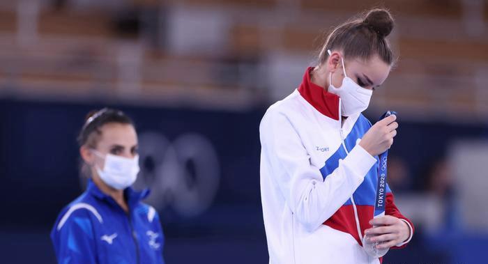 """Захарова обозвала судей Игр - 2020: """"Не бред ли это, госпожа Захарова?"""" - Шендерович ответил спикеру МИД РФ на скандал с гимнасткой 1"""