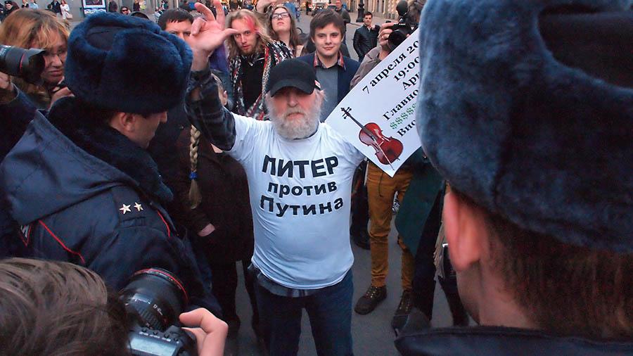 ВПетербурге скончался известный оппозиционный активист Степаныч