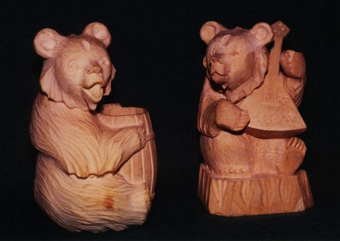 фигурки из дерева и