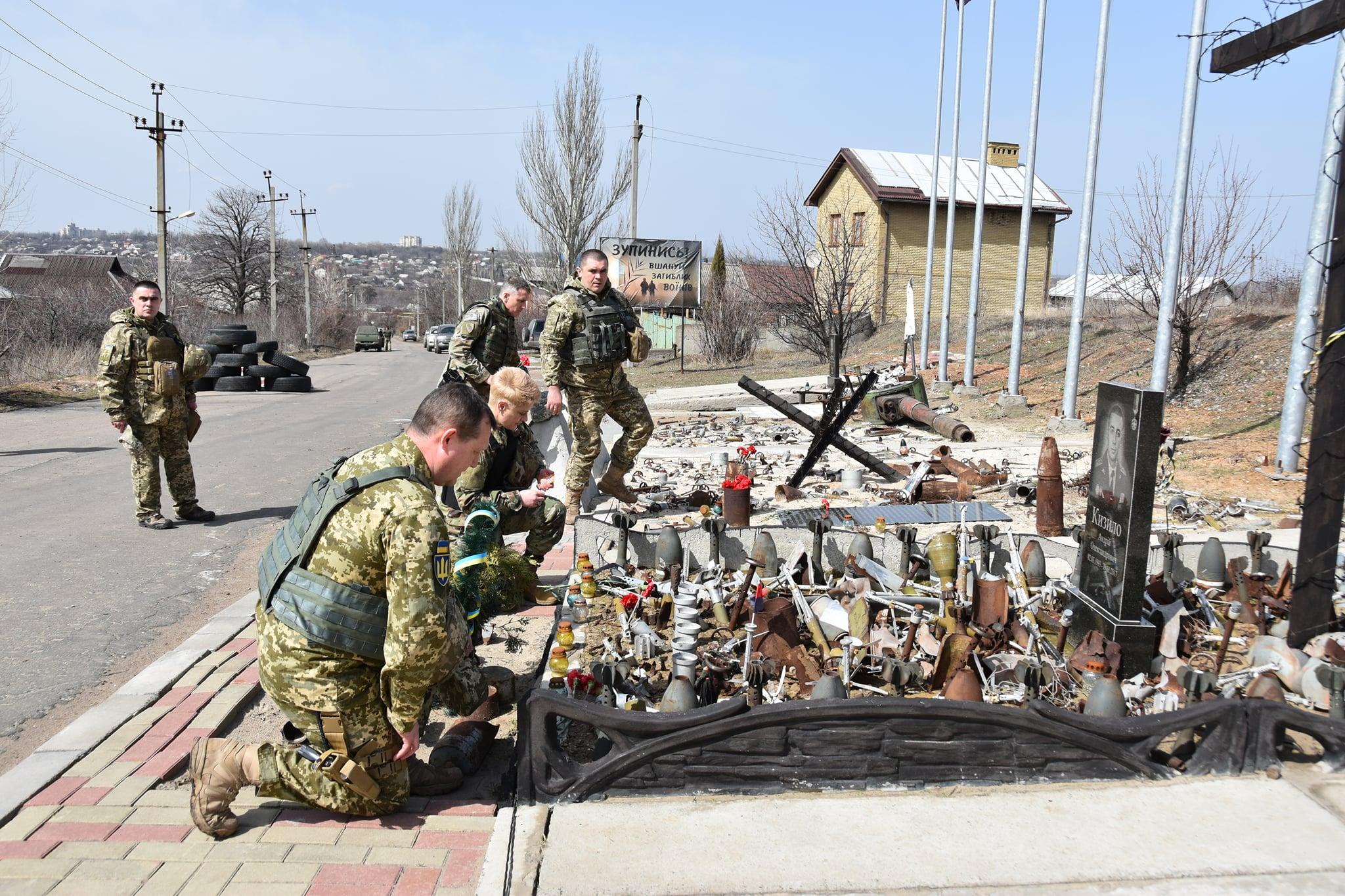 """""""Украину не сдадим"""": военные США прибыли на Донбасс, ситуация сильно накалена 2"""