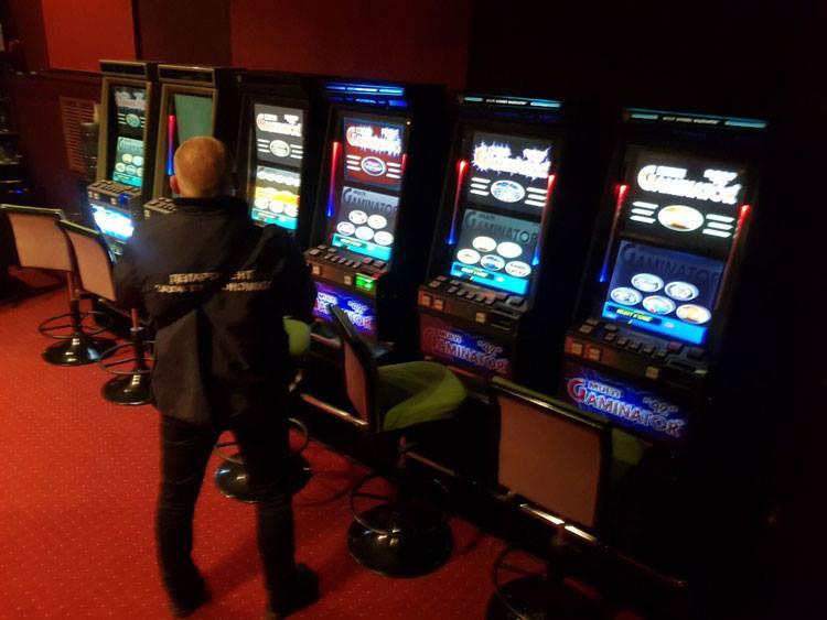 Донецк захват подпольного казино играть в миллион игровые автоматы