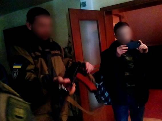 ВБахмуте забуйным вооруженным нардепом приехала милиция