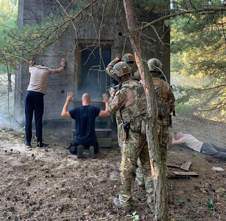 """На Ровенщине """"предотвратили детонацию"""" и ловили """"диверсантов"""" - СБУ готовится к подрывам на границе с Беларусью 2"""