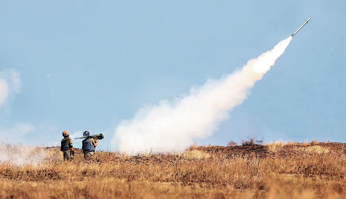 Есть угроза: на границу с Беларусью переброшены дополнительные силы украинских ПВО. Большая колонна бронетехники двигалась ночью по Гродно. ВИДЕО 1