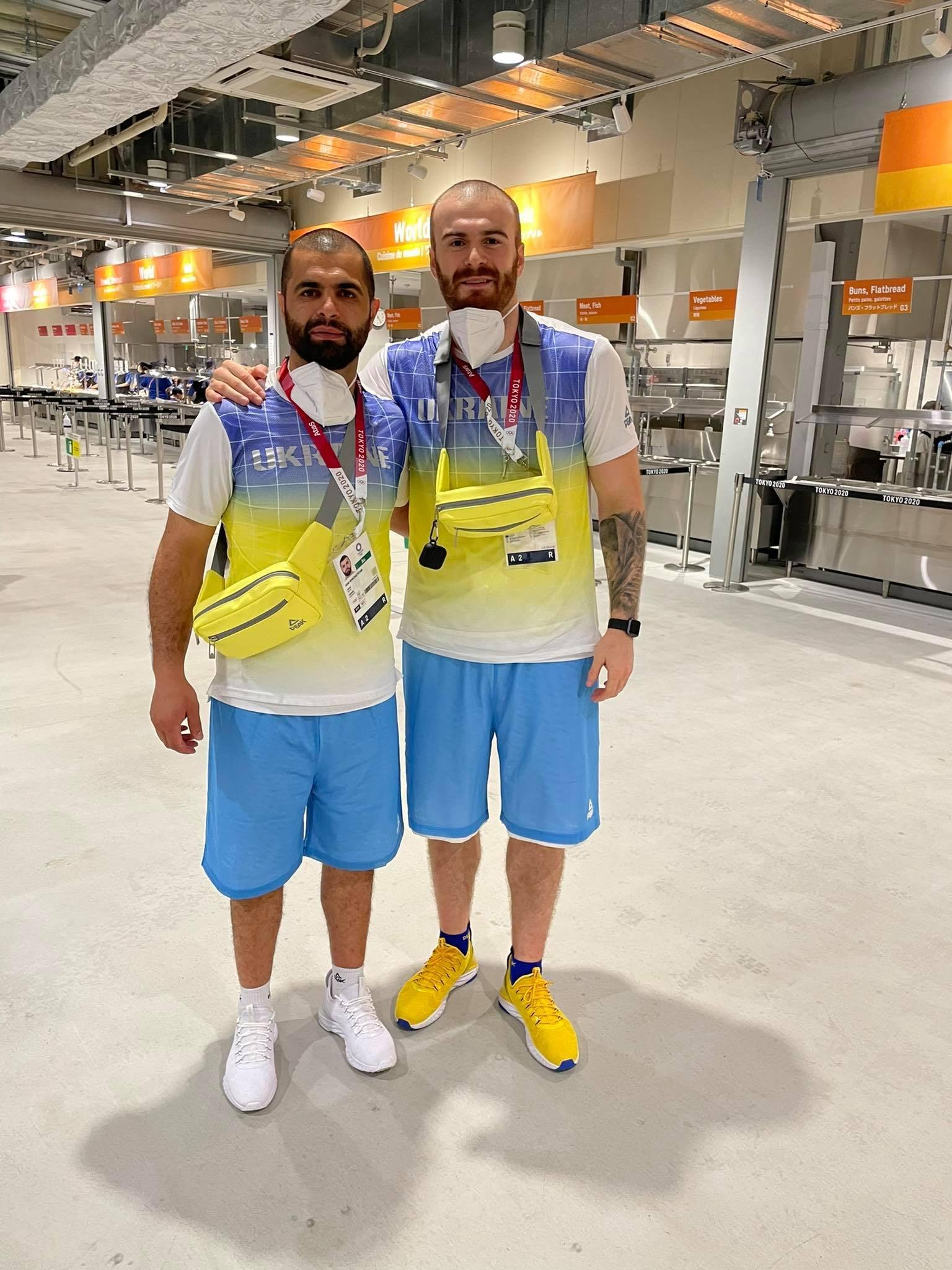 Олимпиада в Токио 2020: Первые кадры украинских атлетов в Японии: едят за стеклом и перемещаются в масках и перчатках. Шансы Украины 1