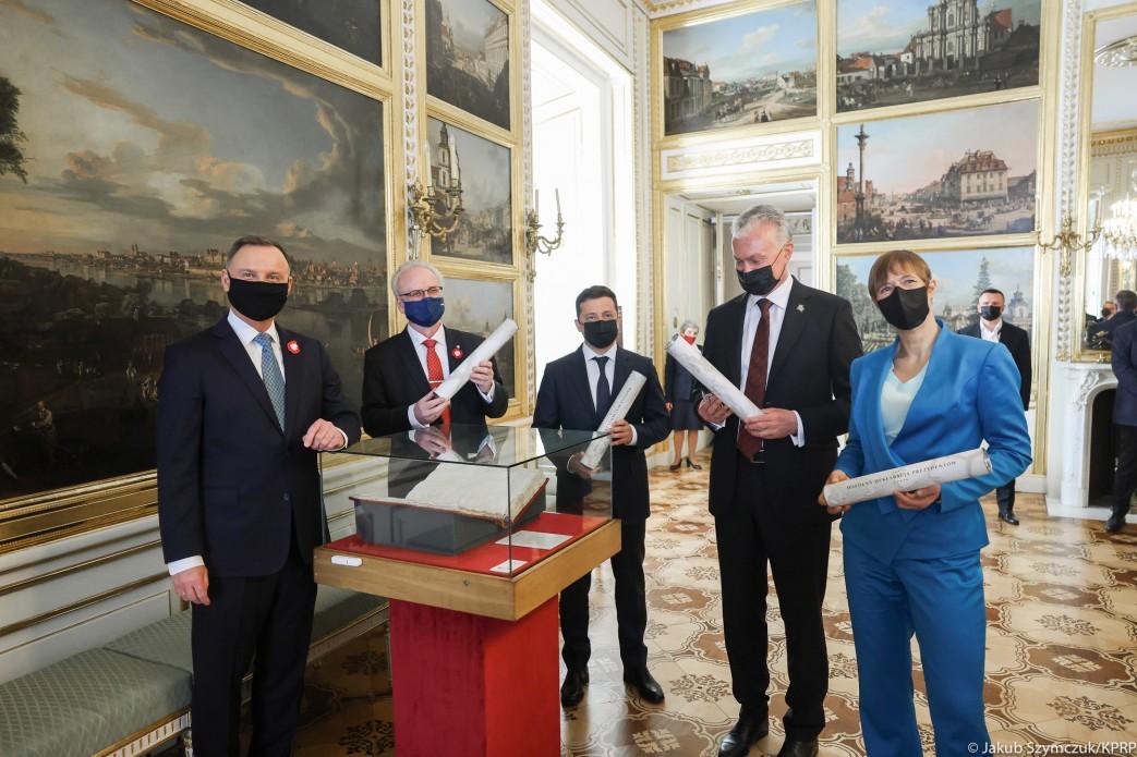 Польша, Украина и страны Балтии подписали Декларацию о европейской перспективе – кадры обошли Сеть 2