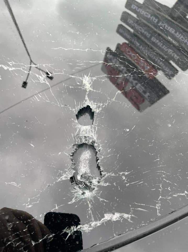 Совершено покушение на помощника Зеленского: авто Шефира расстреляли из автомата, ранен водитель 1
