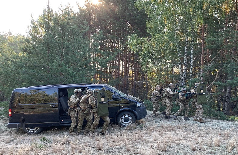 """На Ровенщине """"предотвратили детонацию"""" и ловили """"диверсантов"""" - СБУ готовится к подрывам на границе с Беларусью 1"""
