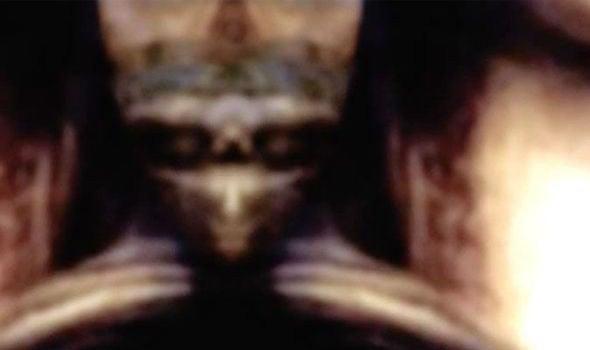 Уфологи отыскали накартине «Мона Лиза» зашифрованный имидж пришельца