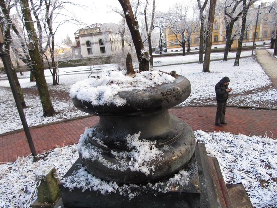 Это Украина: вЧернигове украли бюст Пушкина