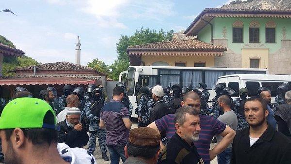Задержанных вБахчисарае мусульман арестовали надва месяца