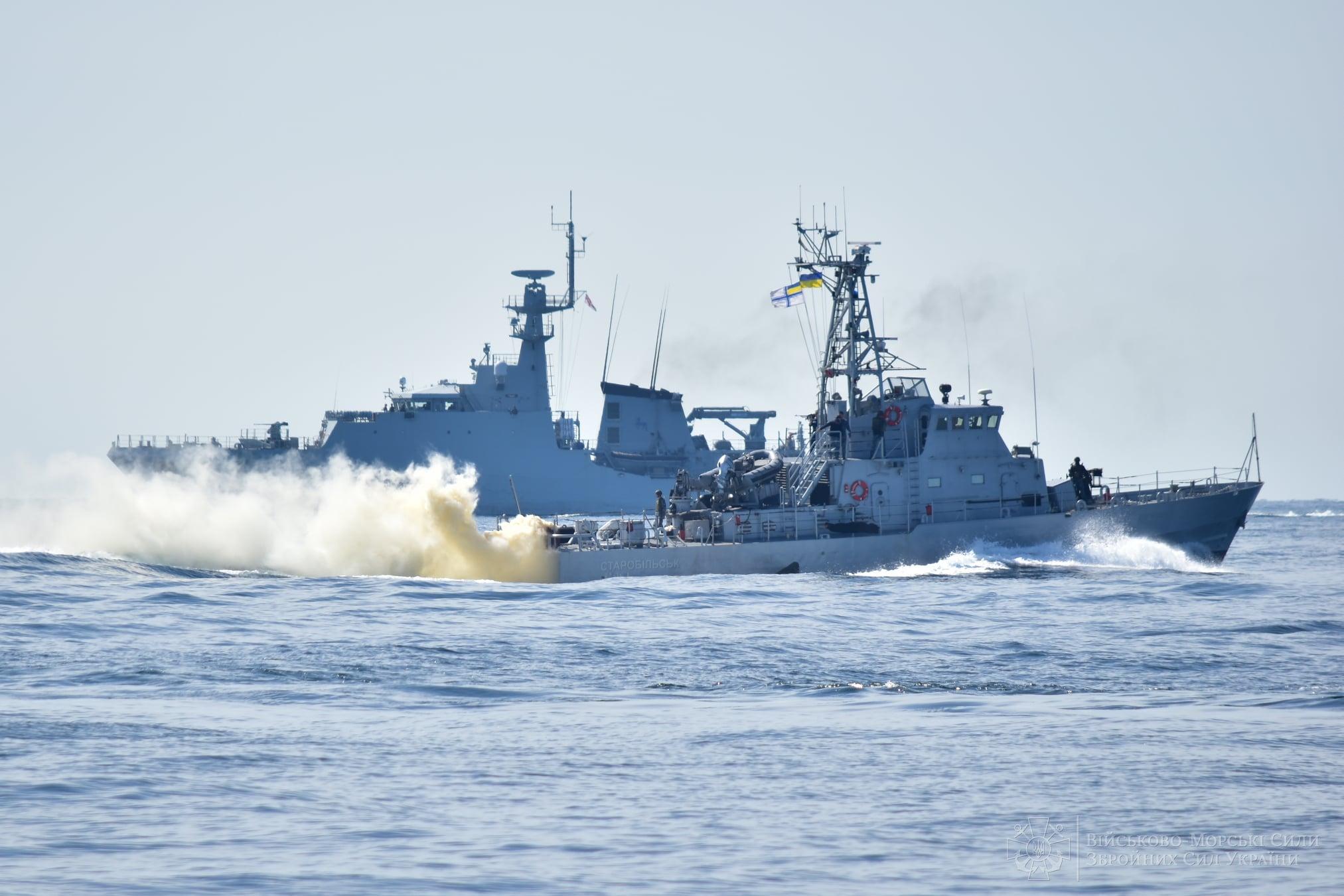 Военные корабли Украины и Британии провели совместные ...  Территория Рф с Крымом