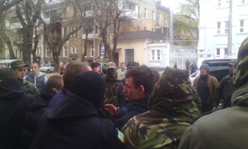 Беспорядки в Одессе: активисты с разной политической позицией устроили драку