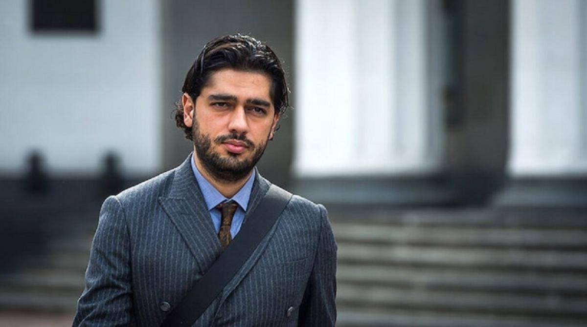 Лероса обвинили в постановке поджога Mercedes-Benz - депутат ответил