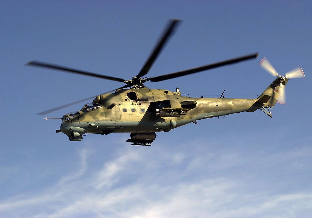 СМИ: возле резиденции Порошенко прогремела мощная стрельба. Боевой вертолет с воздуха атаковал усадьбу соседей украинского лидера