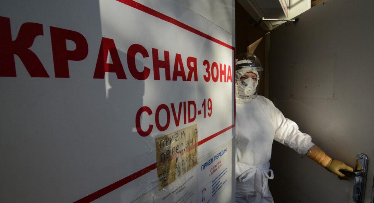 Жители Донецка показали в Сети  масштабы катастрофы  с COVID: у моргов десятки ритуальных машин