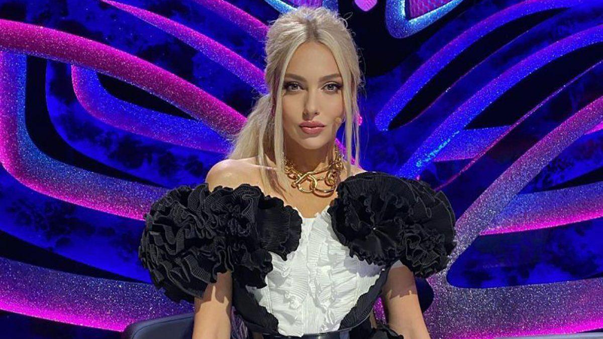 """Оля Полякова в бикини """"нырнула"""" в снежный сугроб, кадры"""