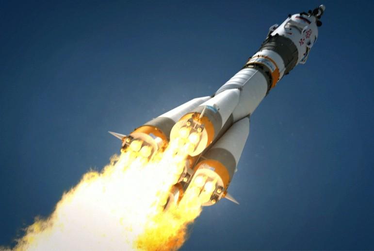 """Россия больше не может запустить корабль """"Союз"""" в космос: страховые компании массово отказываются от контракта"""