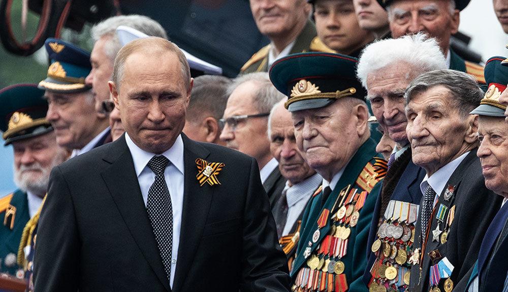 К Путину на парад в Москву приехал всего один зарубежный лидер: в Сети обсуждают фото
