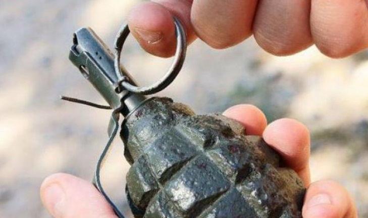 В РФ 9 мая мужчина прямо перед полицейскими подорвал себя гранатой – кадры попали в Сеть