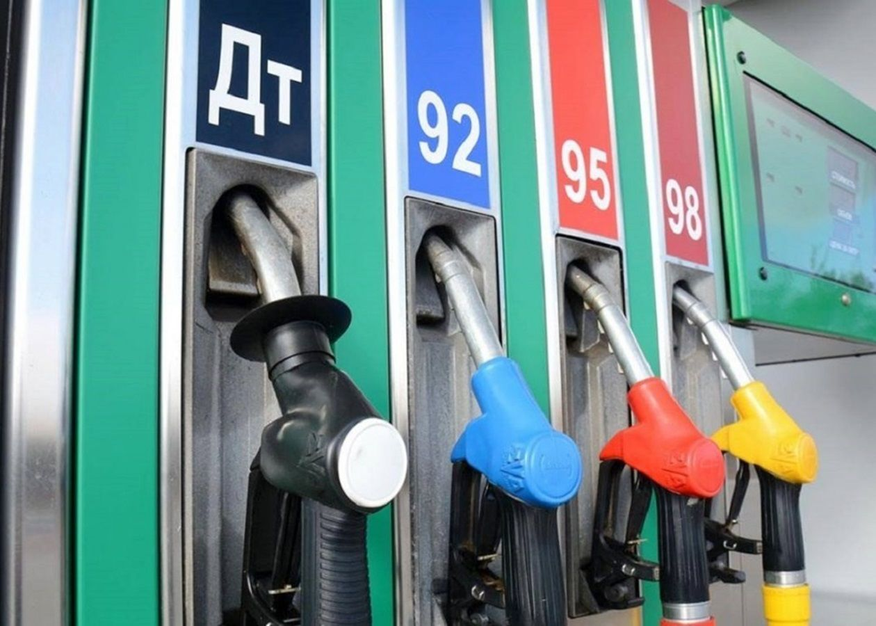 """Беларусь приостановила поставки бензина в Украину: эксперты рассказали о последствиях отсутствия марки """"А-95"""""""