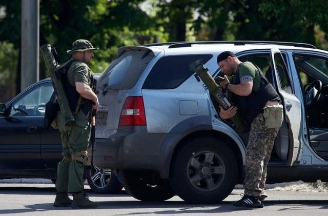 Обстановка в Донецке на 18:00: снаряд зацепил храм, бои в двух районах города продолжаются