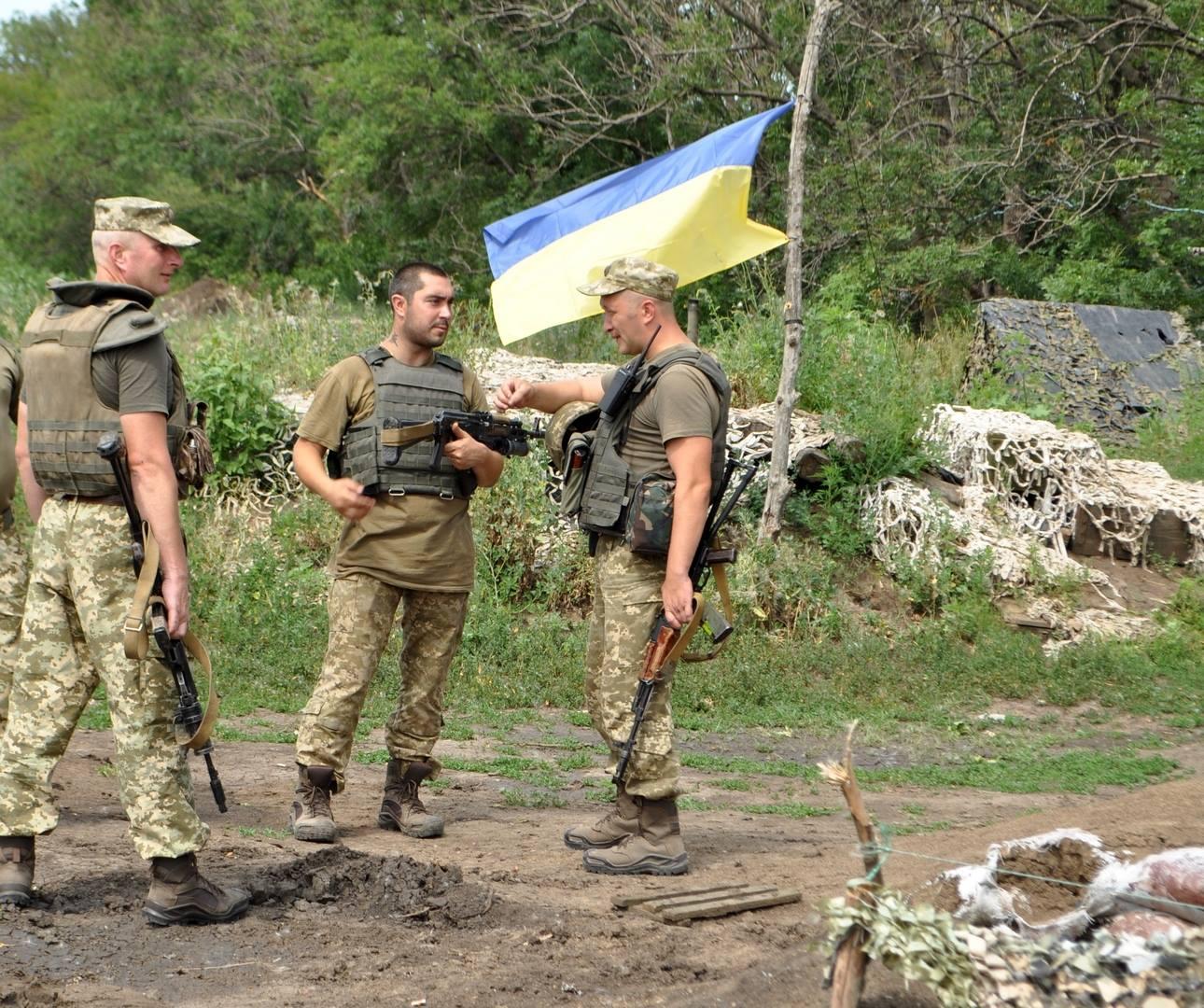 """Никакого """"хлебного перемирия"""": боевики обстреливают украинские позиции вблизи Богдановки"""