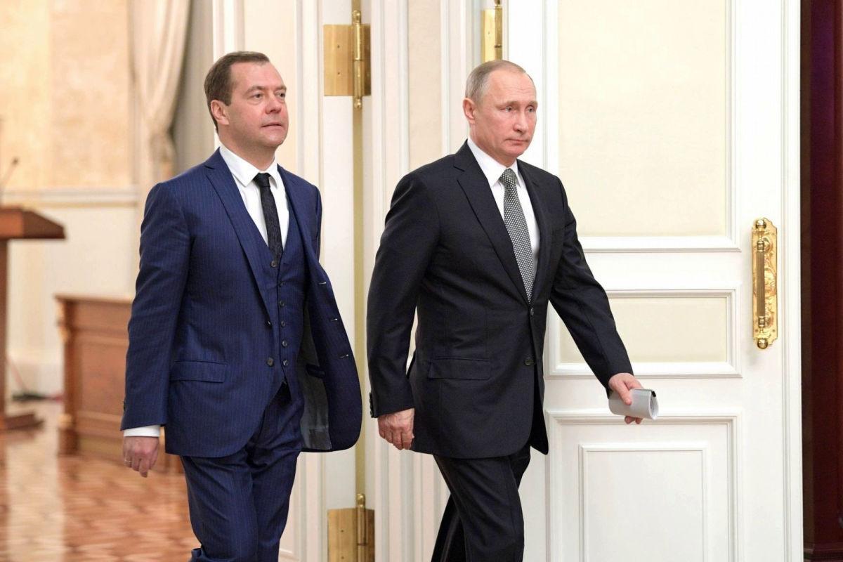 """""""Стало очевидно: Россия движется к войне"""", - Явлинский о статье Медведева об Украине"""