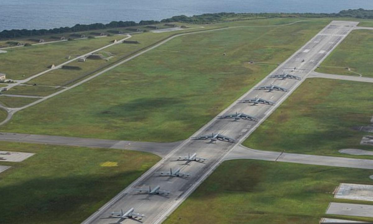 """""""Прогулка слонов"""", или как США показали свою военную мощь в ответ на угрозы Тайваню со стороны Китая, кадры"""