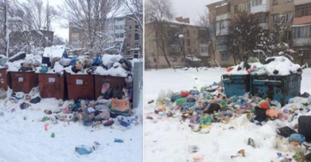 """Оккупированный Донецк завален кучами мусора: удручающие фото из """"столицы"""" """"ДНР"""""""