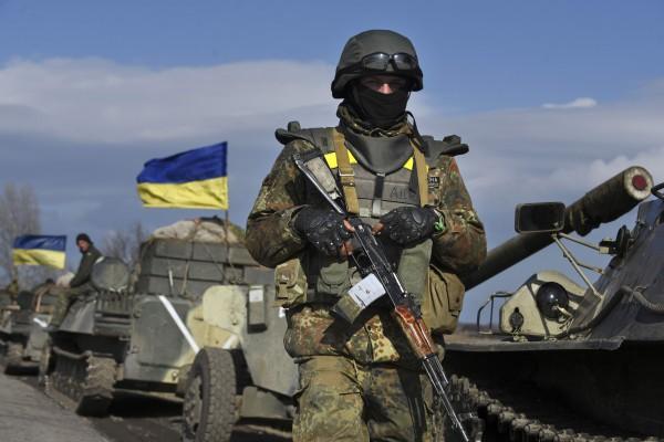 "Снайперы ""ДНР"" атаковали бойцов ВС Украины в районе Марьинки - штаб"
