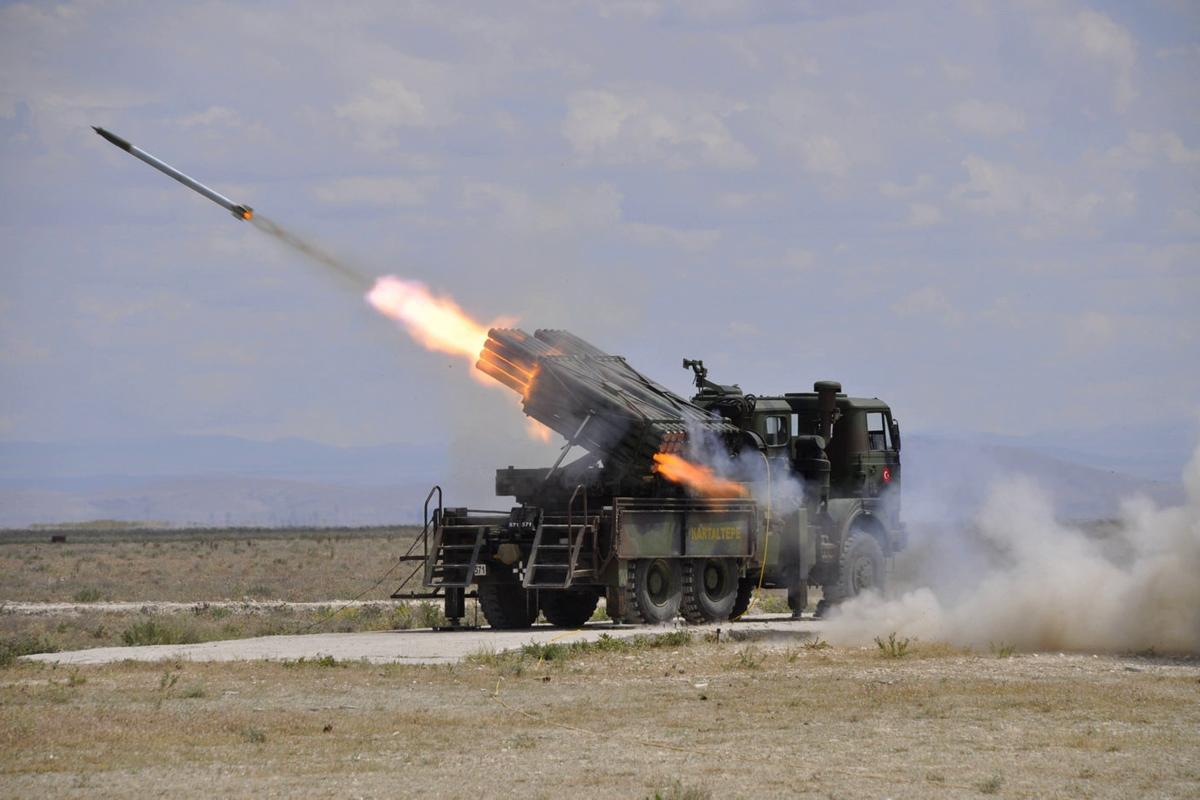 Двойной удар по Хмеймиму: сразу после ультиматума Анкары на базу ВКС России в Сирии полетели ракеты