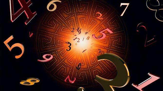 Астрологи предупредили о сложных периодах октября и назвали удачные дни месяца: счастливых дат всего восемь
