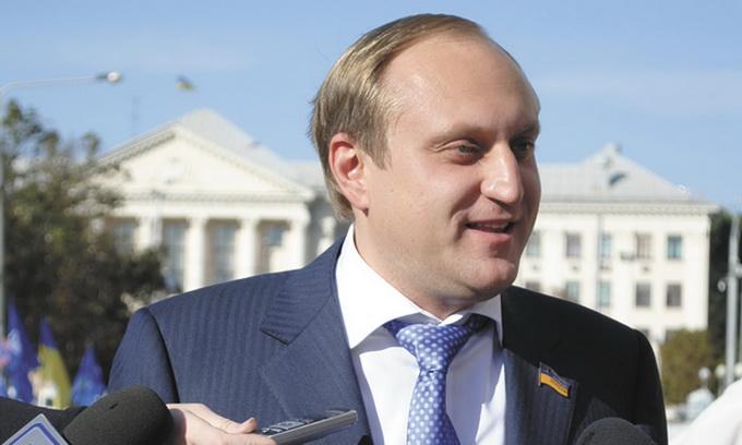 Правосудие в действии: ГПУ отсудила у сына экс-Генпрокурора Пшонки 15 тысяч гектаров земли под Киевом и вернула государству - Луценко