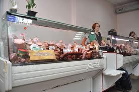 В Макеевке вооруженные люди забрали со склада 600 кг колбасы