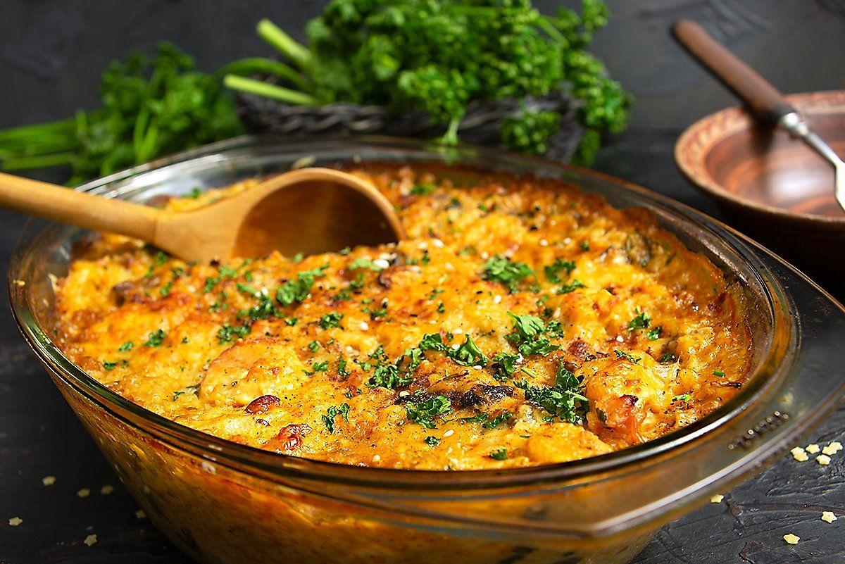 Рецепт вкусного и сытного мяса, запеченного с картошкой и сыром, – ужин, открывающий путь к сердцу любого мужчины