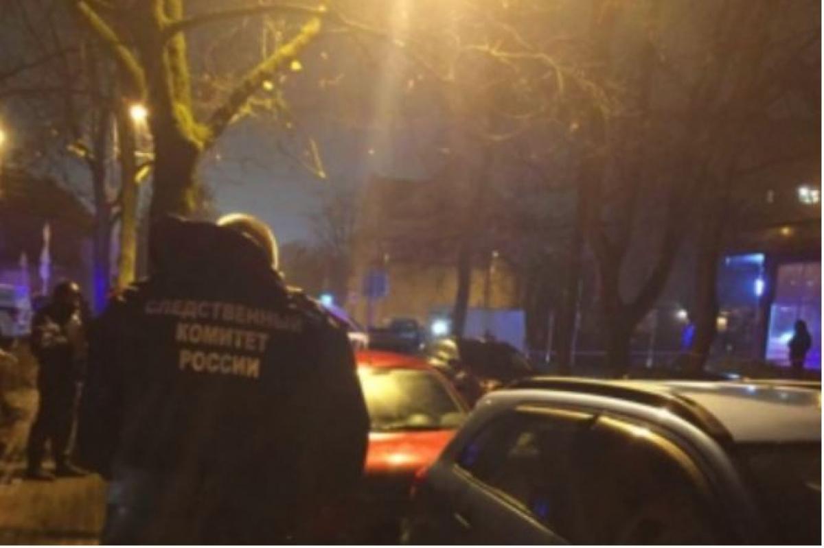 В Калининграде мужчина расстрелял у дома бывшую жену и свел счеты с жизнью - очевидцы рассказали подробности