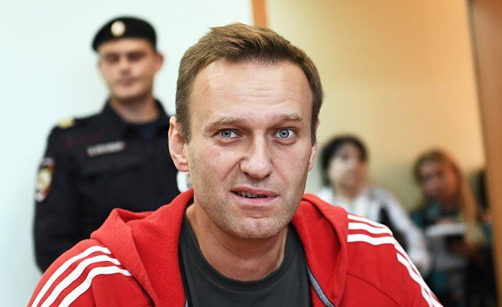 В России ответили, почему Навальный не нужен Путину на свободе