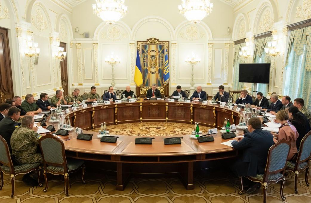"""""""Будет четкий документ самой высшей силы"""", - Порошенко анонсировал еще одно громкое решение"""