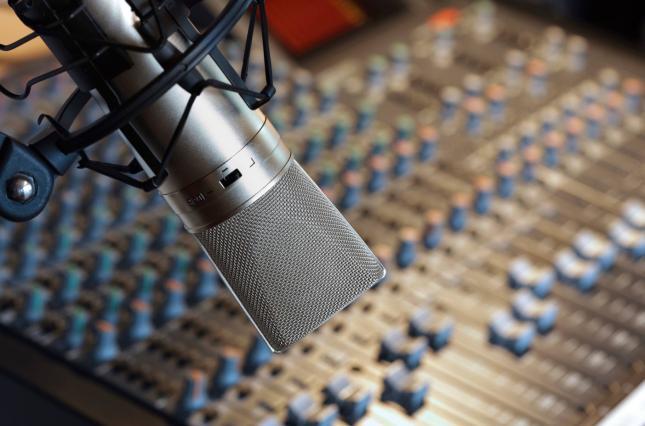 Борьба с россСМИ: Украина введет санкции против лиц, которые украли радиочастоты в оккупированном Крыму