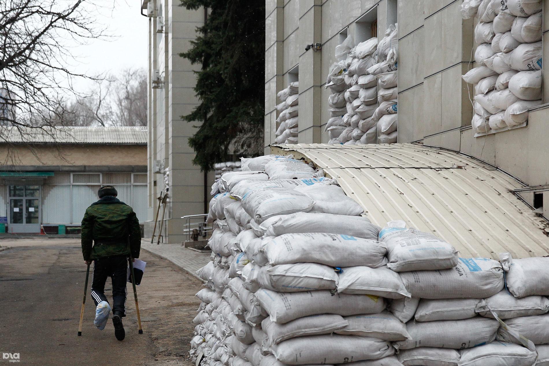 Террористы ДНР в шоке: в Донецке закрывают военный госпиталь. Раненых боевиков выбрасывают на улицу