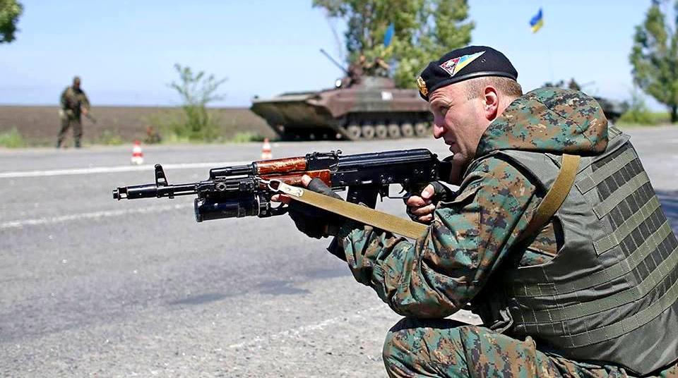 Возле Енакиево, Донецка и других населенных пунктов продолжаются бои между ополченцами и украинскими силовиками