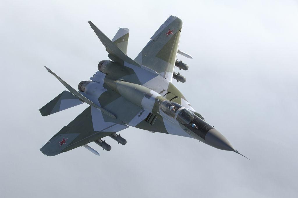"""Истребитель """"МиГ-29"""" ночью упал в Черное море, пропав с радаров: судьба пилота неизвестна"""