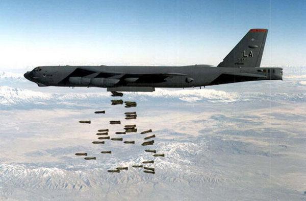 """По вагнеровцам """"работали"""" стратегические бомбардировщики: Пентагон рассказал, какую технику применил при авианалете на Дейр-эз-Зор"""