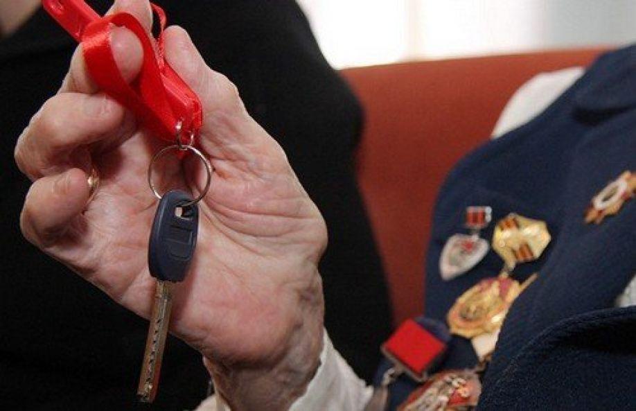 Как хотите, так и делите: власти оккупированного Севастополя подарили десяти ветеранам Второй мировой войны пять квартир